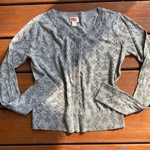 Gray & black patterned cardigan